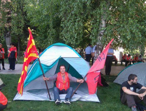 Борбата за работнички права продолжува, Еурокомозит со шатори пред влада