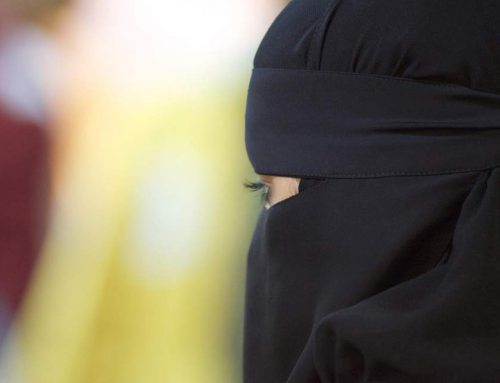 Данска ja казни првата жена за кршење на законот кој забранува носење на бурка