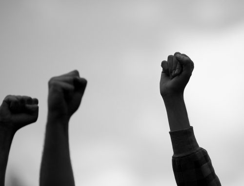 Мексиканци работници солидарно го напуштија работното место поради отпушањето на нивни колеги од работа